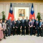 游錫堃接見醫療奉獻獎得主      期勉未來在醫療服務繼續發光發熱照亮台灣